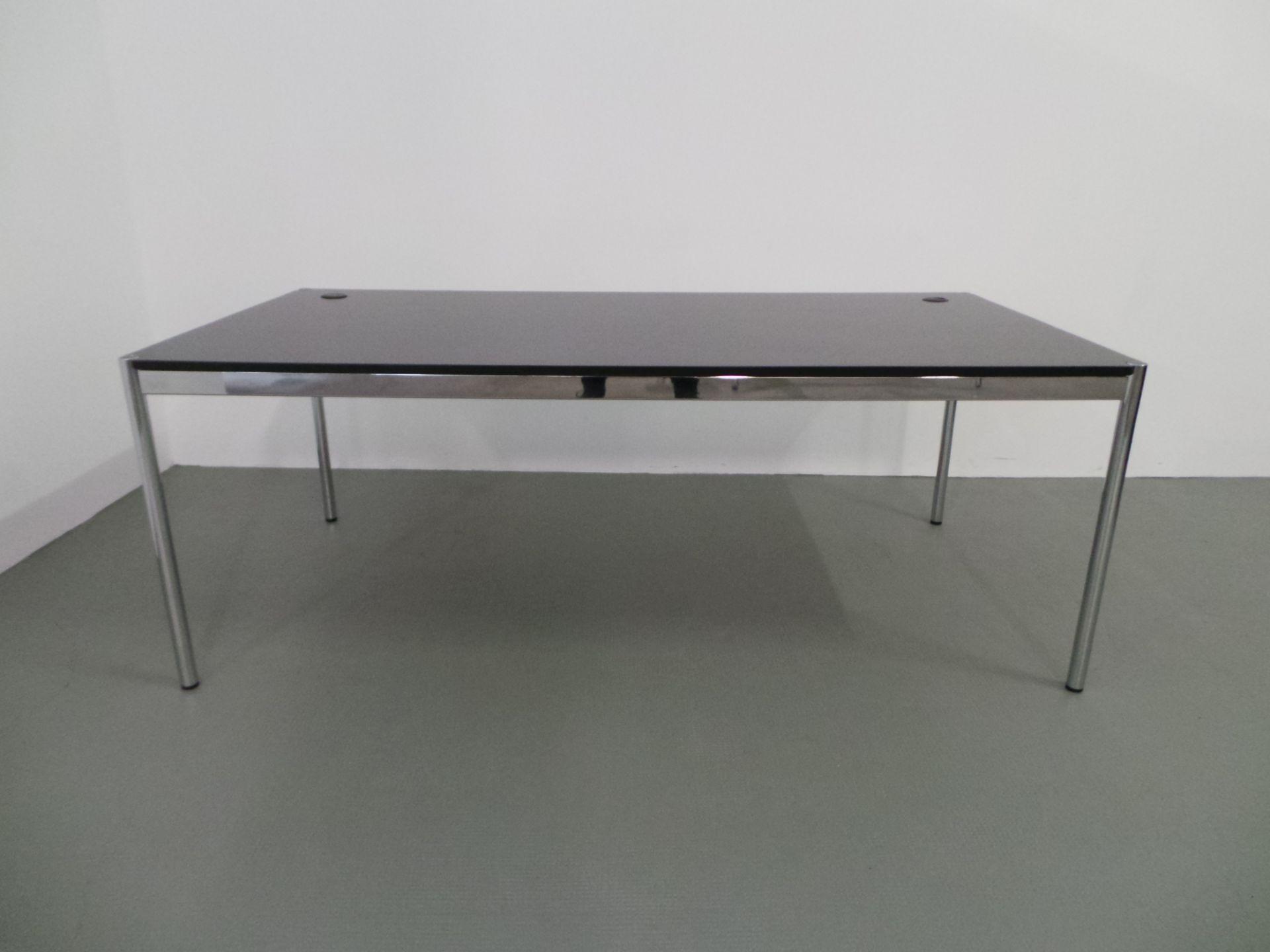 usm haller schreibtisch holz eiche schwarz 200 cm x 100 cm arttolive by ralph gr tzmacher. Black Bedroom Furniture Sets. Home Design Ideas
